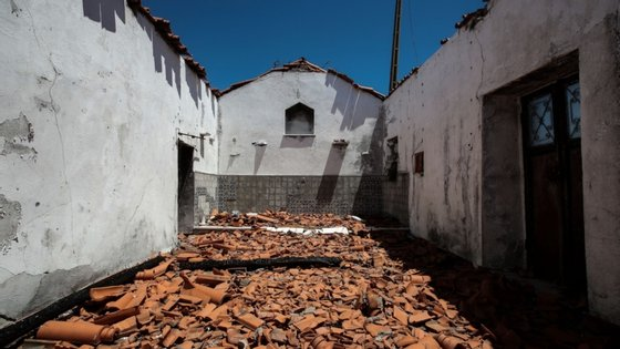 Três anos depois, a capela continua destruída, apesar de já ter projeto de reconstrução