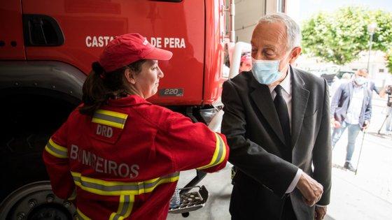 O programa da visita de Marcelo Rebelo de Sousa, este domingo, inclui uma deslocação à freguesia de Câmara de Lobos, que ocorre dois meses após o levantamento da cerca sanitária