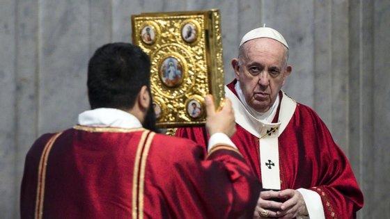 Apelo ao cessar fogo global foi feito após a oração Angelus deste domingo