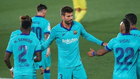 Piqué voltou a ir à flash interview após o jogo com o Villareal mas disse não se recordar do gesto feito para o árbitro após golo anulado a Messi