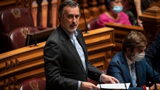 Também esta segunda-feira, a Iniciativa Liberal divulgou dois projetos de resolução com recomendações ao Governo no âmbito do combate à corrupção