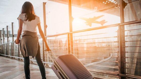 A LUGGit é uma startup que desenvolveu uma app que permite a quem viaja requisitar alguém para recolher a bagagem, guardá-la e entregá-la no sítio e hora definido