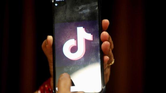 O TikTok tinha 800 milhões de utilizadores, em janeiro, em todo o mundo