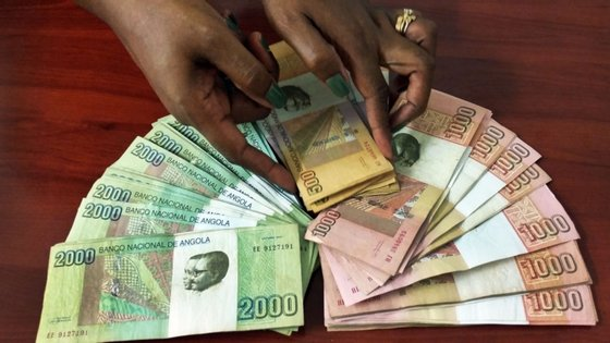 Angola depende muito das importações e quer facilitar a atração de investimento estrangeiro