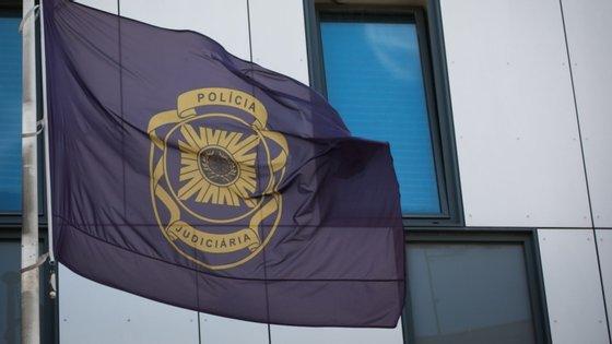 Segundo a PJ de Setúbal, o crime ocorreu na madrugada do passado dia 1 de julho, na sequência de um episódio de violência doméstica