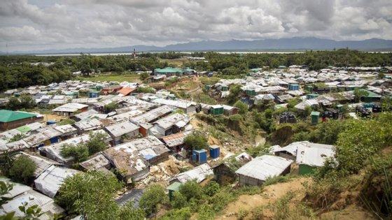 Quase um milhão de membros dessa minoria, perseguida em Myanmar (antiga Birmânia), vive em extrema pobreza em gigantescos campos de refugiados sobrelotados