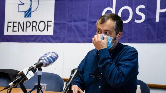 A Fenprof alerta também que as vagas agora preenchidas ficam muito aquém do número de docentes colocados no início do ano letivo 2019/2020