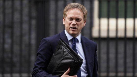 O ministro dos Transportes britânicos, Grant Shapps, disse na segunda-feira que a reavaliação da lista deverá ser feita até 27 de julho