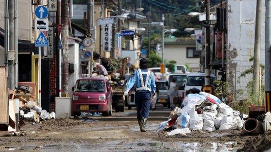 Várias zonas afetadas já foram evacuadas e cerca de 1,4 milhões de pessoas tiveram de ser retiradas das suas casas
