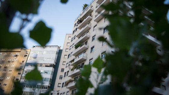 """A intervenção dos mediadores imobiliários, explica a Câmara, vai permitir evitar vistorias desnecessárias a imóveis """"sem condições de habitabilidade ou inaptos"""""""