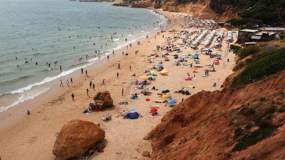 A derrocada de uma arriba na praia Maria Luísa, em Albufeira, em agosto de 2009, fez cinco vítimas mortais