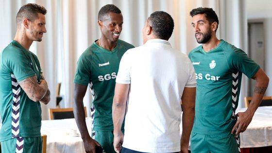Zequinha, Semedo e Sílvio, os três capitães, estiveram ao lado de Lito Vidigal na apresentação do novo técnico na terça-feira
