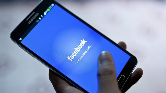 O Facebook revelou ainda que cerca de 883.000 perfis seguiam uma ou mais das páginas vinculadas a Bolsonaro e outras 917.000 pessoas eram seguidores de uma ou de mais contas no Instagram, que foram agora removidas.