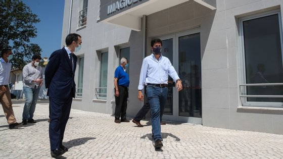 Francisco Rodrigues dos Santos visitou o Hospital Compaixão que ainda não entrou em funcionamento por falta de acordos de cooperação com o Ministério da Saúde