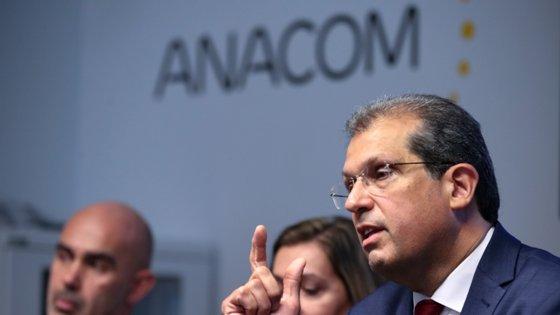 João Cadete Matos, presidente da ANACOM - Autoridade Nacional de Comunicações, fala durante a conferência de imprensa  sobre o Projeto de Regulamento do Leilão para a Atribuição de Direitos de Utilização de Frequências nas faixas dos 700 MHz, 900 MHz, 1800 MHz, 2,1 GHz, 2,6 GHz e 3,6 GHz, 10 fevereiro 2020, na sede da ANACOM