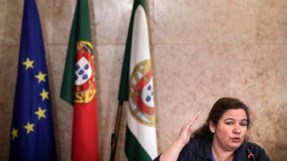 """De acordo com a ministra da Modernização do Estado, Alexandra Leitão, que esta quinta-feira apresentou a proposta no parlamento, este programa """"ultrasimplificado"""" estará em funcionamento até 31 de dezembro, em fase experimental, e poderá continuar a ser aplicado posteriormente"""