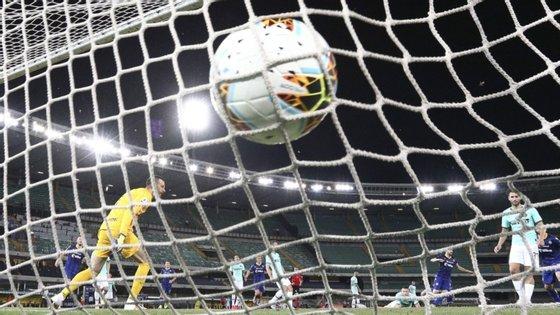 Com um remate à entrada da área, o capitão do Hellas Verona resgatou um ponto, ainda que a equipa tenha caído para o nono lugar