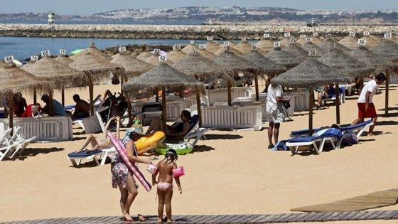 Turistas na Quarteira afirmam que se sentem seguros