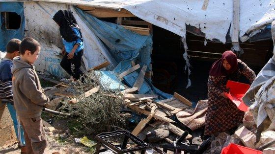70.000 pessoas estão em dois campos no nordeste da Síria