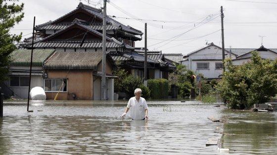 Mais de 5.900 casas ficaram danificadas em 19 das 47 autarquias do país e as autoridades continuam a avaliar os danos