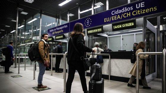 Na sexta-feira, Portugal tinha passado para a categoria verde no modelo de semáforo criado pelo MNE belga, à exceção das freguesias da Área Metropolitana de Lisboa que estão em estado de calamidade