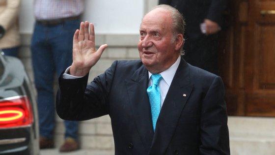 Aos 82 anos, Juan Carlos é investigado por ter recebido 100 milhões dólares em 2008 do rei saudita. O dinheiro nunca passou por Espanha