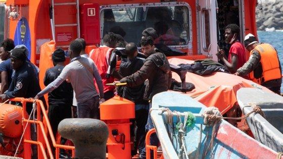O tráfico de migrantes gerou 300 milhões de euros para as redes entre 2017 e 2019