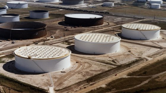 As receitas por exportação de petróleo dos Estados da OPEP caíram para 564.889 milhões de dólares, quando tinham ficado em 692.269 milhões em 2018