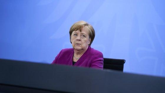 Angela Merkel falou após ter-se reunido com o primeiro-ministro italiano