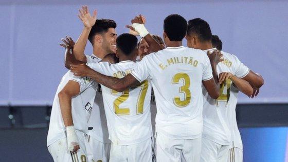 O Real Madrid pode chegar ao 34.º título espanhol, o primeiro desde 2017, na quinta-feira, se bater o Villarreal, quando faltam duas jornadas para o fim e tem quatro pontos de vantagem sobre o segundo classificado e ainda campeão em título, FC Barcelona