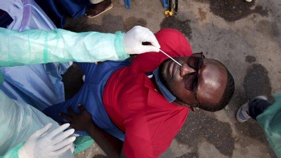 No total, Angola regista agora 576 casos, dos quais 27 óbitos, 124 recuperados (mais 6) e 425 casos ativos