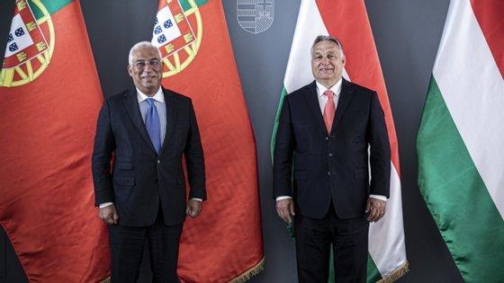 Na terça-feira, Costa reuniu-se com Orbán para preparar Conselho Europeu. O seu homólogo Viktor Orbán ameaça travar acordo por causa de condição do Estado de Direito.