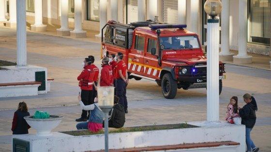 O homem foi detido e levado ao hospital de Braga, a fim de receber tratamento