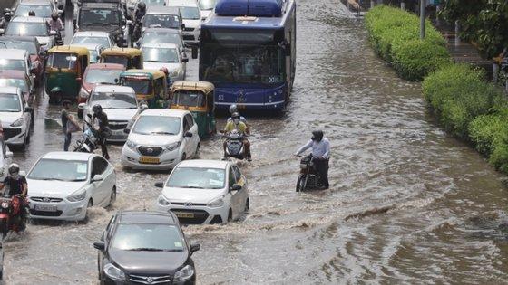 No Bangladesh cerca de 67 pessoas morreram e 2,6 milhões foram afetadas pelas inundações