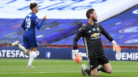 O guarda-redes espanhol teve responsabilidade em ambos os golos do Chelsea