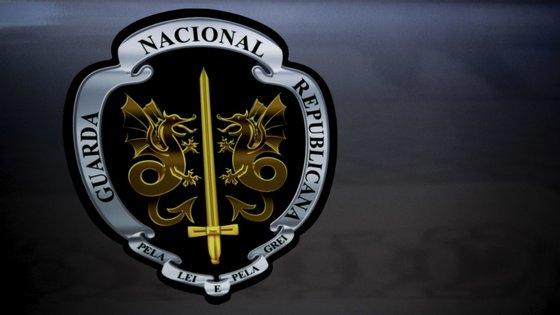 """A GNR acrescenta ainda que """"outras três cidadãs de nacionalidade estrangeira"""" foram notificadas para abandonar o país voluntariamente"""", uma vez que """"também permaneciam de forma irregular no país"""""""