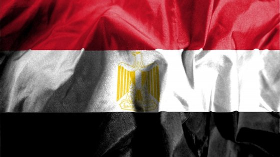 """O Presidente egípcio defende que a cidade costeira líbia de Sirte, bastião das forças ligadas ao marechal Khalifa Haftar, o """"homem forte"""" do leste do país, é uma """"linha vermelha"""" e avisou que qualquer ataque à cidade levará o Cairo a intervir militarmente para proteger a fronteira oeste"""