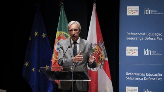 João Gomes Cravinho refere que tem estado a receber informação do Chefe do Estado-Maior-General das Forças Armadas diariamente