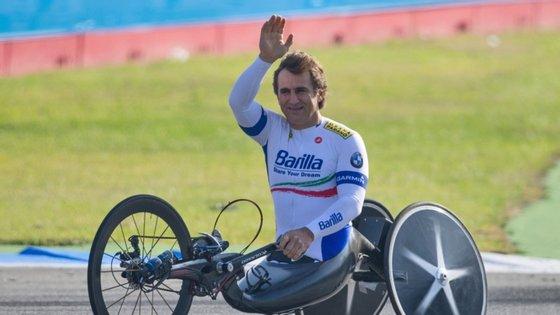 """Zanardi estava a participar numa prova exibição destinada a ciclistas paralímpicos, designada 'Objetivo Tricolor"""", a 19 de junho, quando perdeu o controlo da sua handbike"""
