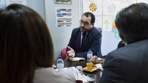 Ministro da Educação foi ouvido na Assembleia da República. Distanciamento de um metro entre alunos foi o tema em que os deputados mais insistiram