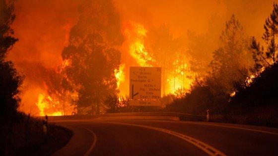 O incêndio que deflagrou em 17 de junho de 2017 no município de Pedrógão Grande lavrou em 11 concelhos dos distritos de Leiria, Coimbra e Castelo Branco