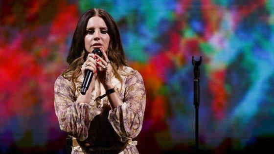 Lana Del Rey terá um novo álbum ainda este ano