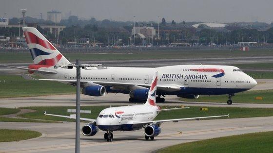 British Airways planeava despedir 1.255 pilotos e voltar a contratar mas com diferentes condições de trabalho