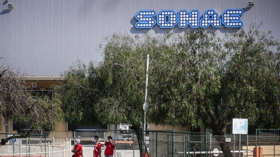 """Segundo o comunicado, """"devido à pressão do município"""", a Sonae Indústria já começou a retirar alguma da madeira do local e entrou em contacto com os proprietários dos terrenos circundantes para os ressarcir relativamente aos prejuízos causados pela praga"""