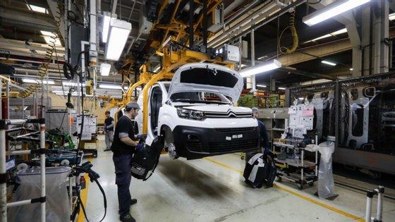 O Groupe PSA torna-se assim no primeiro construtor automóvel a entrar no mercado das peças usadas