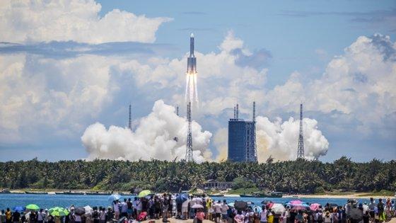 A China lançou na quinta-feira a sonda Tianwen-1, com destino a Marte