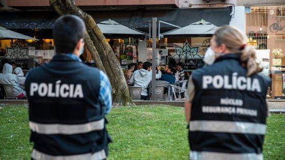 No total e desde o início da pandemia, regressaram ao serviço 1.437 elementos da PSP, entre polícias e técnicos sem funções policiais