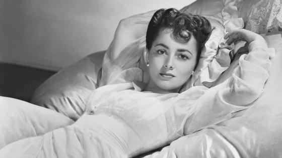 """A atriz fez filmes como """"E Tudo o Vento Levou"""", """"Lágrimas de Mãe"""", """"A Herdeira"""", """"A Minha História"""" e """"O Fosso das Víboras"""""""