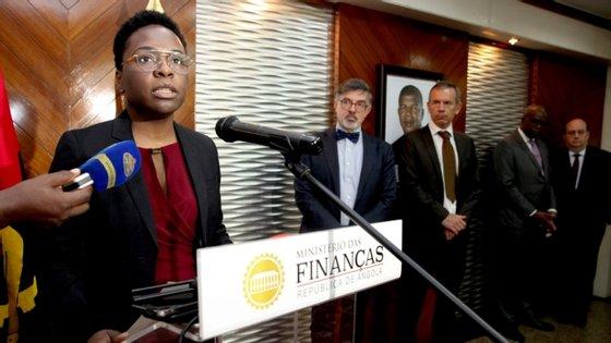 Vera Daves disse na apresentação do documento que o OGE revisto para 2020 será financiado em 45,5% por receitas fiscais e 54,5% com recurso a financiamento