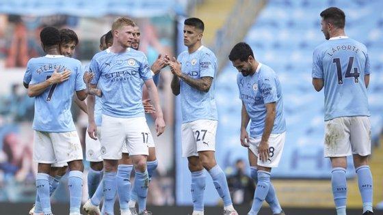 As acusações da UEFA sobre o Manchester City não puderam ser provadas, mas o clube inglês vai ter de pagar uma multa de qualquer forma